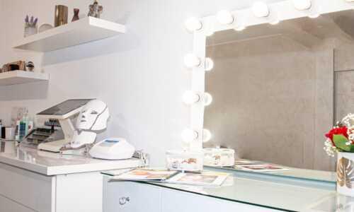 Pachet 5 şedinţe + 1 gratis Masca Skin Tech led + infrared + Galvanic